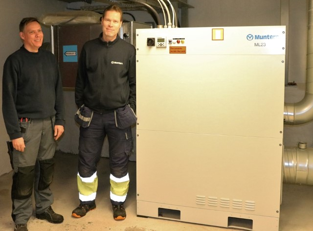 Ted Johansson and Munters service technician Roger