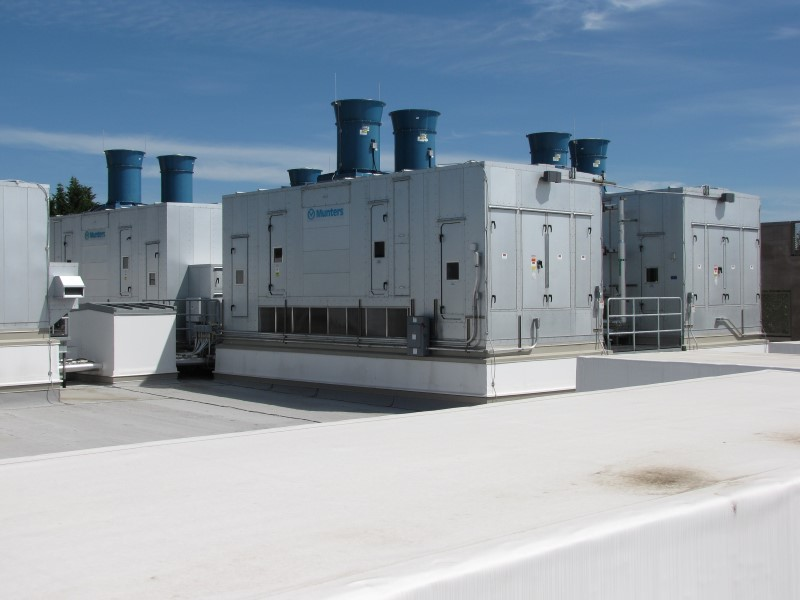 Rooftop View of Munters IASE Units at Mentor Graphics.JPG
