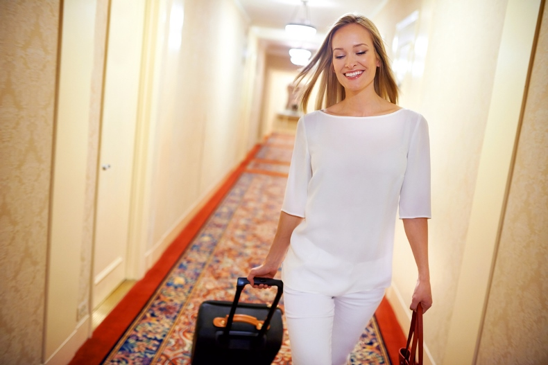 AirT-Hotel-Corridor-with-Woman.jpg
